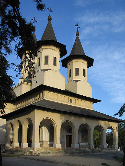 biserica eroilor revolutiei
