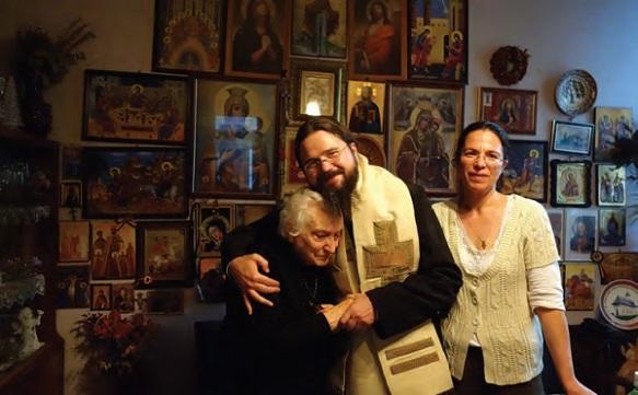 Dna-Aspazia-Otel-Petrescu-si-Episcopul-Macarie-Dragoi