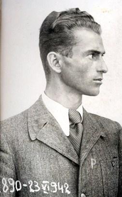Parintele-Arsenie-papacioc-anghel-2-in-1942