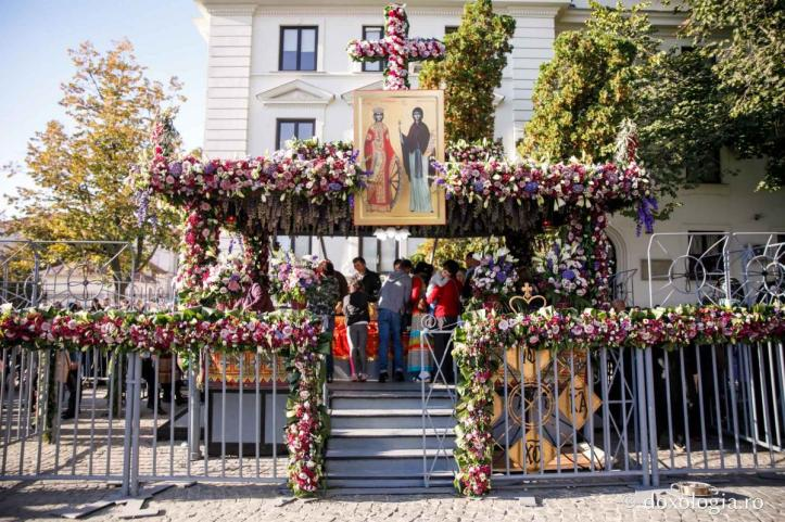 Sfanta Liturghie Iasi Sf Parascheva (2)